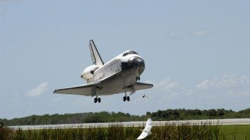 space-shuttle-takes-off
