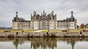 hd-wallpaper-architecture-france-lakes-castle-chambor