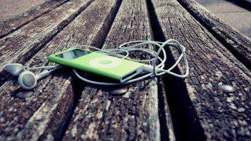 green-ipod