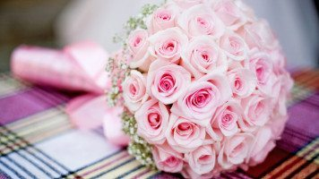 round-bouquet-of-roses