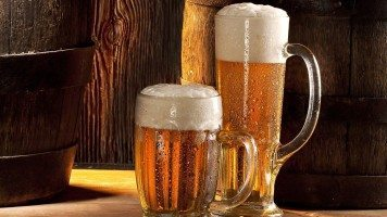 beer-glasses-two-hd-wallpaper