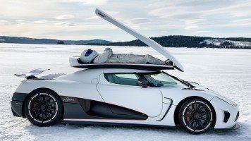 Top-Gear-Stig-on-trunk