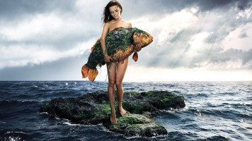 mermaid-with-fish