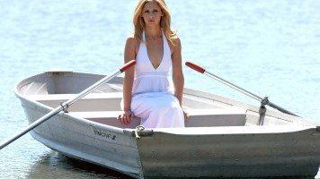 woman-in-boat