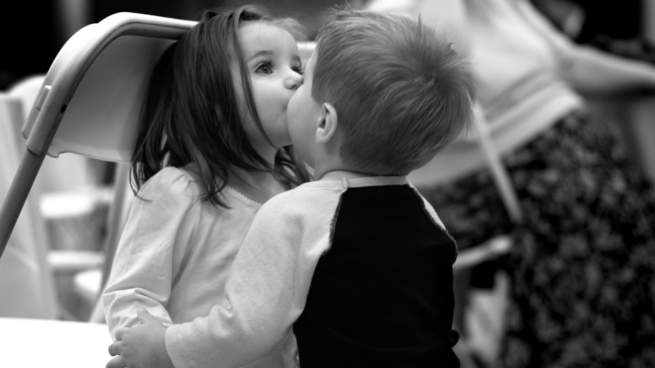 black and white kids kiss hd wallpaper