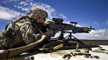 Soldier-with-gun-shoot