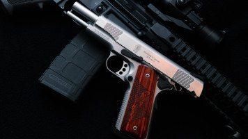 hd-wallpaper-military-guns