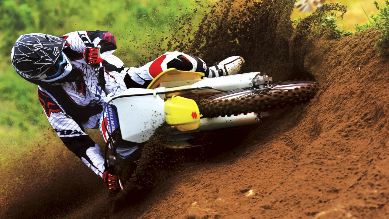 suzuki motocross bike race wide