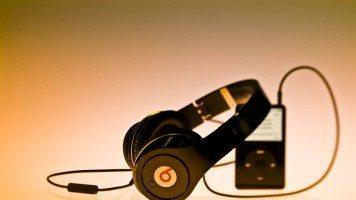 music-headphones-and-ipod-hd-wallpaper
