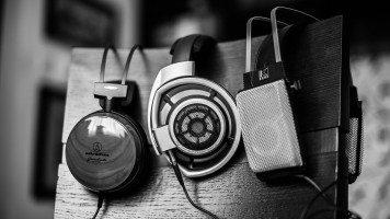 music-white-black-hd-wallpaper