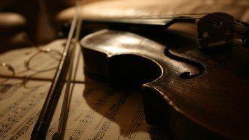 violin-musical-stave