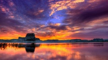 Sunset-Sky-Reflection-in-lake