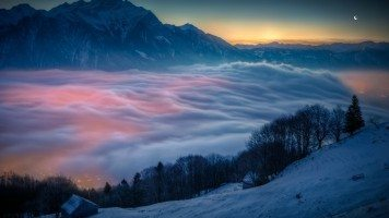 Superb-winter-view-above-the-clouds