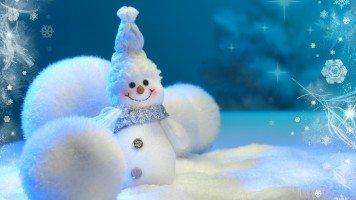 hd-wallpaper-snowman-balls-snow-new-year