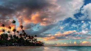 Evening-on-an-island-in-pacific