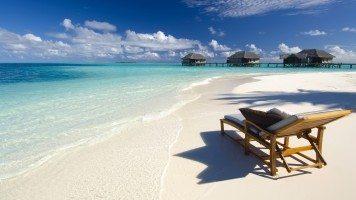 sunbed-on-the-beach