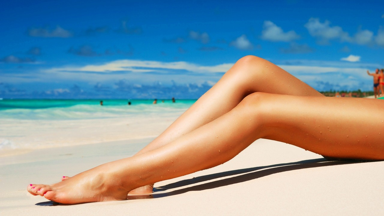 beach hottie wide