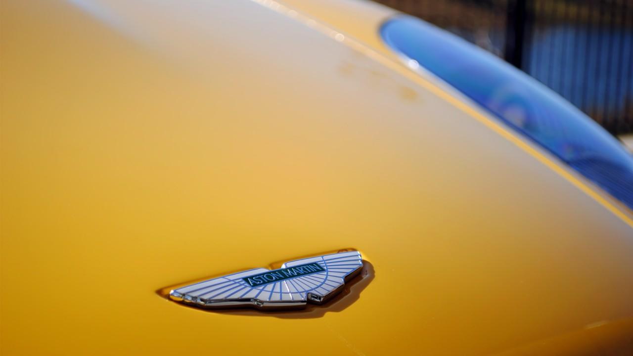 Aston Martin DB9 Volante Mansory Hood