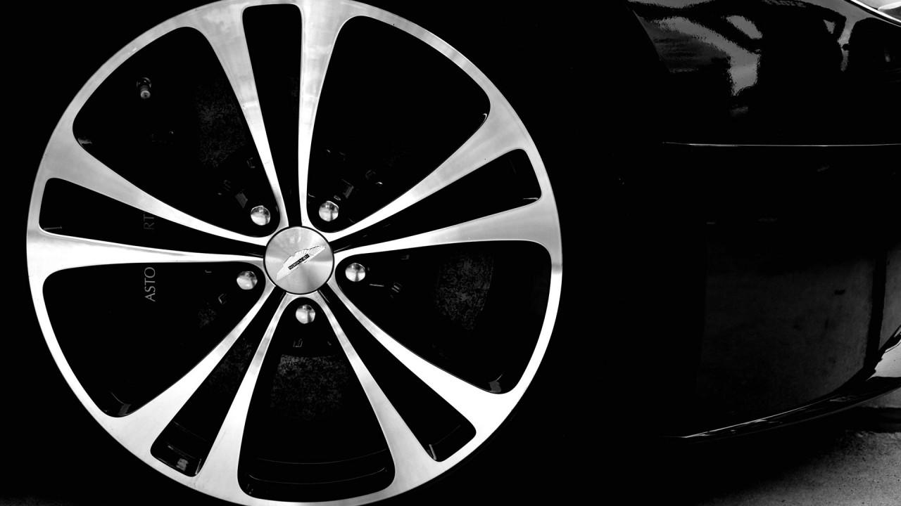 Aston Martin Vantage Rims