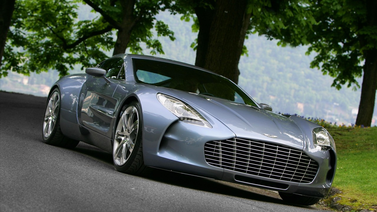 aston martin one 77 wide