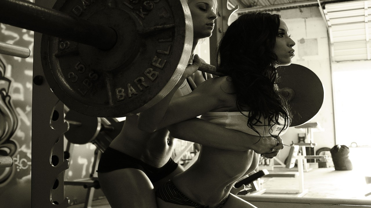 girls working hard in the gym