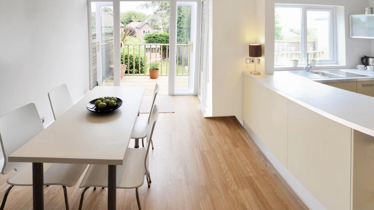 Simple chic kitchen