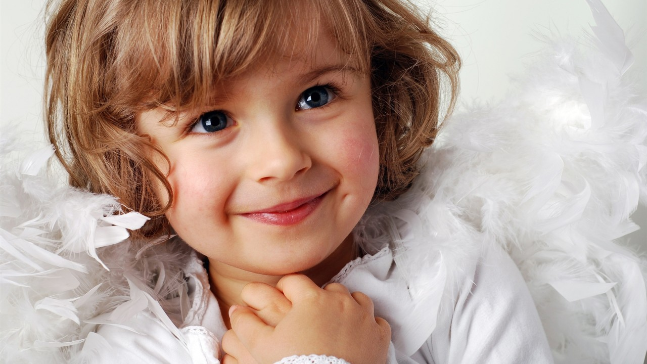 cute little girl sweet smile hd wallpaper