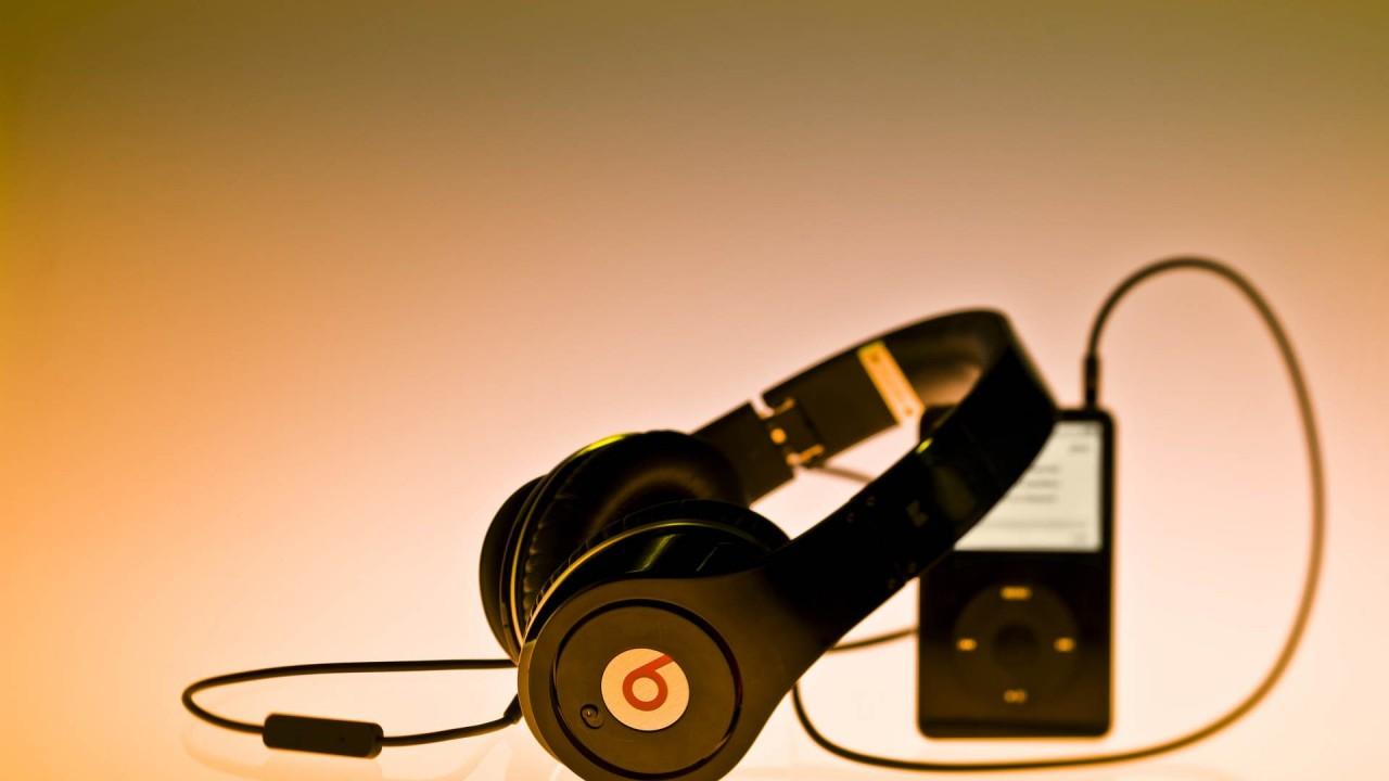 music headphones and ipod hd wallpaper